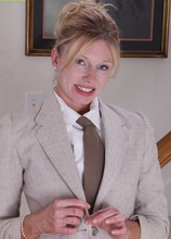 Seductive Milf Holly Jones Off Her Work Clothes.